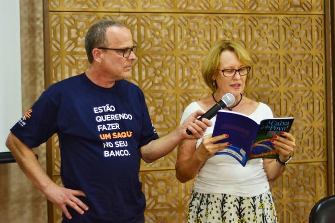 """Lançamento e sessão de autógrafos de """"A Caixa é do Povo!"""""""