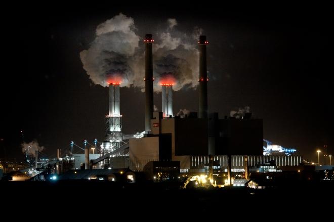 Foto: Marcel Oosterwijk, Energy factory (coal plant), via Flickr (Creative Commons)